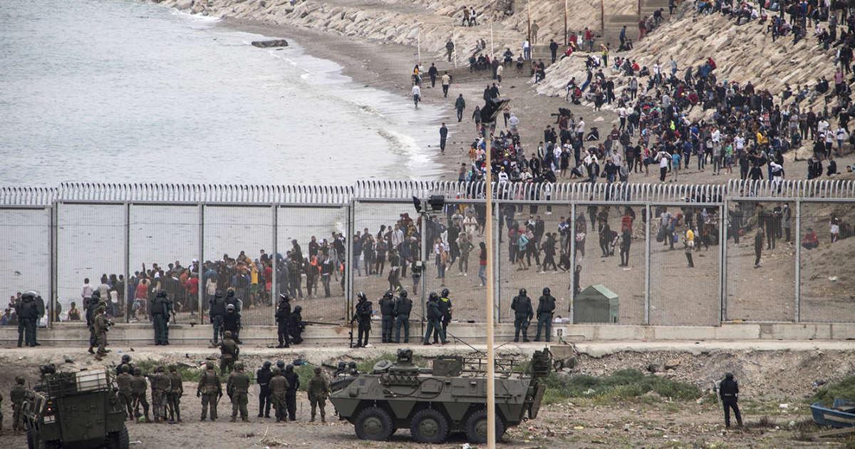 إسبانيا تستدعي سفيرة المغرب ورئيس الحكومة يسافر إلى سبتة