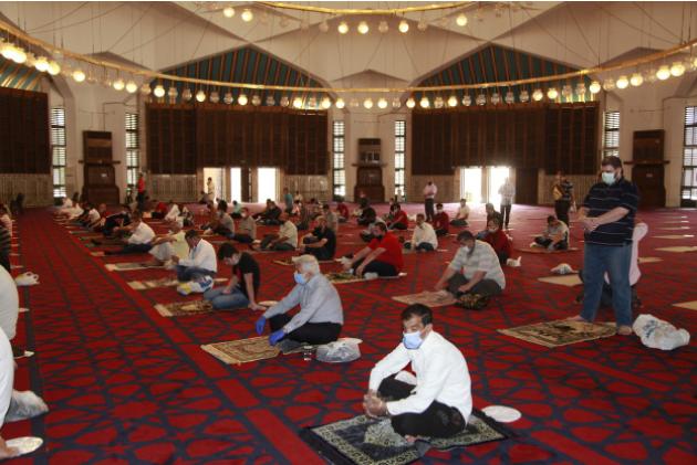 مساجد المملكة تستعد لفتح أبوابها مجددا في وجه المصلين