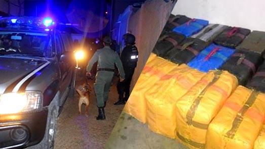 الدريوش.. عناصر الدرك الملكي توجه ضربة جديدة لشبكات الإتجار في المخدرات وتحجز سيارة محملة بـ5 أطنان من الشيرا