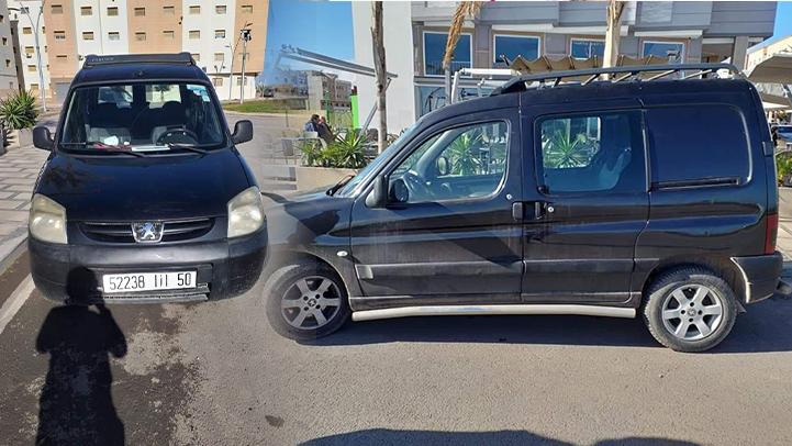 موجة سرقة السيارات متواصل بالناظور.. سرقة سيارة أمام مسجد عبد المومن في واضحة النهار ببني انصار
