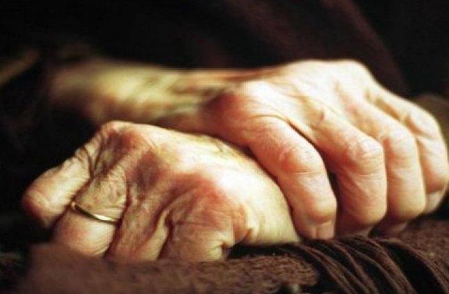 شاب يقتحم منزل عجوز عمرها 80 سنة ويغتصبها