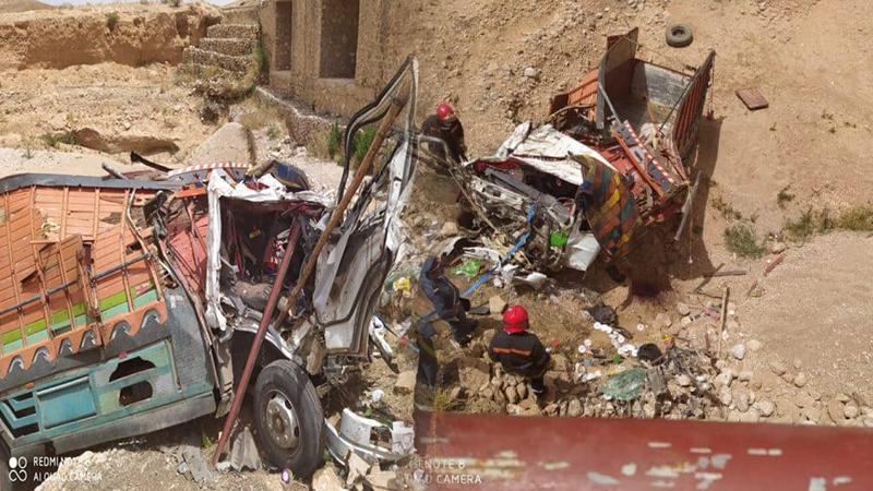 مصرع سائق شاحنة في حادثة سير مروعة على الطريق الرابطة بين الناظور وجرسيف