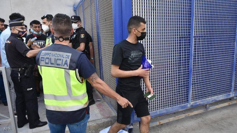 وزارة الداخلية الإسبانية تنفي مسؤوليتها عن ترحيل القاصرين المغاربة من الثغر المحتل