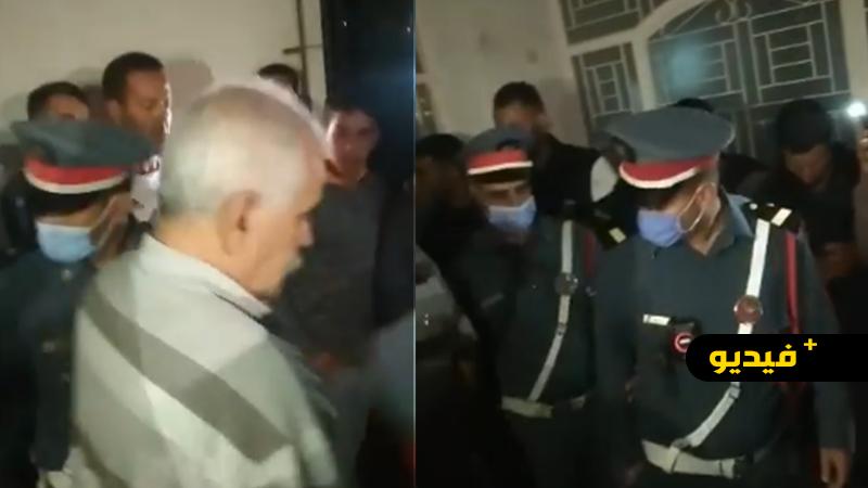 فيديو... الدرك الملكي يخرج منتخبا من البام ببودينار كان داخل مقر الجماعة ليلا