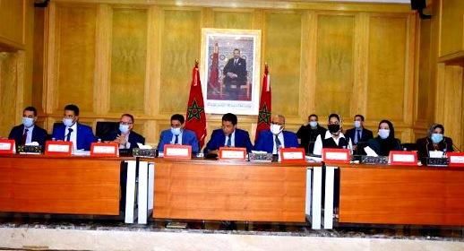 أعضاء مجلس جهة الشرق يصادقون بالأغلبية المطلقة على مشروع النظام الداخلي للمجلس
