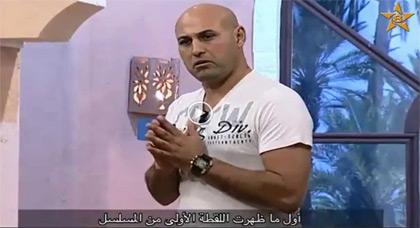 الكوميدي ماسين في عرض ساخر على الشاشة الأمازيغية
