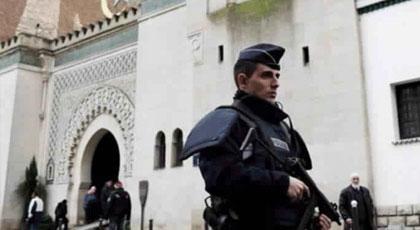 تقارير إخبارية: فرنسا إستغلت حالة الطوارئ لغلق عدد كبير من المساجد وإعتقال المئات من المواطنين