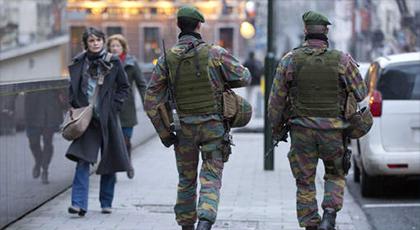 مراهقون مغاربة يحاولون الاستلاء على سلاح العسكر بحي مولنبيك