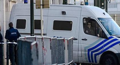 هجمات باريس .. اعتقال ثلاثة أشخاص آخرين بعد تفتيش منزل في بروكسيل