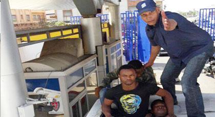 بالصور.. شرطة بني أنصار تحبط عملية تهجير 11 إفريقيا الى مليلية المحتلة