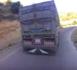 بالفيديو.. شاهد كيف تمر الشاحنات الكبيرة بصعوبة من منعرجات تزي عزى نواحي تافرسيت