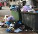 """عودة انتشار أكوام الأزبال والروائح الكريهة بشوارع الناظور قُبيل استعداد """"أفيردا"""" للمغادرة"""