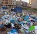"""ساكنة الناظور """"تتنفس"""" تحت أكوام الأزبال بعدما غطت معظم شوارع المدينة"""