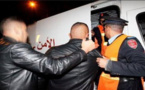 مواجهة عنيفة بين رجال أمن ومتهم تنتهي بسقوطه من سطح منزل