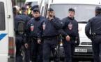 مسلح يحتجز رهائن بوكالة للسياحة في باريس