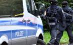 تنيفذ عمليات دهم لمنازل عدة أشخاص بألمانيا