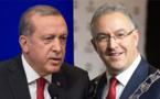 """المغربي أبو طالب يُلقن """"إردوغان"""" درساً في تاريخ أوروبا"""