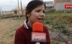 """طفلة تطلق صرختها بعد تفاقم الوضع البيئي لواد """"بويزارزان"""" المتسبب للأطفال في أمراض الجلد والربو والحساسية"""