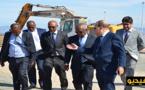 """وزير النقل والتجهيز المدغشقري يزور قرية """"أطاليون"""" وسعيد زارو يقدم له شروحات حول مشروع مارتشيكا"""