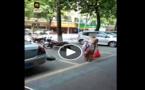غريب: سيدة تلد وهى تسير في الشارع ثم تواصل سيرها بعد الولادة