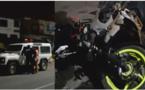 دراجة نارية على متنها ثلاثة اشخاص في حالة غير طبيعية تصدم سيارة للشرطة وتخلف قتيلين
