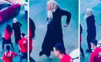 محجبة تشعل مواقع التواصل الإجتماعي برقصتها في الشارع