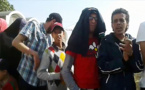 """سكان """"دوار"""" في الرباط يحتجون أمام موكب الملك"""