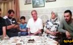 بالفيديو.. الزفزافي يقنع أسرته بتعليق إضرابها عن الطعام
