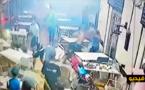 """شاهدوا.. عصابة مسلحة تهاجم رواد مطعم بـ""""فزوان"""" وتسقط ثلاثة جرحى من الناظور"""