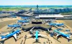 توقف الرحلات الجوية بمطار العاصمة الهولندية أمستردام بشكل مفاجئ يعمق معاناة أفراد الجالية