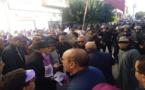 نشطاء وحقوقيون يحتجون وسط وجدة ويطالبون بفتح الحدود الأوروبية في وجه المهاجرين السريين