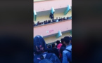 شاهدوا.. احتجاج التلاميذ على الساعة يجر تلميذ بالقفز من الطابق الأول