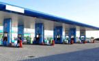 نشطاء يطالبون بالكشف عن أسباب عدم تخفيض أسعار المحروقات رغم التراجع الحاد لثمن البترول