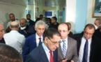 رئيس الحكومة ووزير الصحة يغادران مكتبيهما لتفقد المصابين بأنفلونزا الخنازير