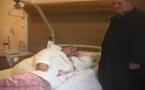 والدة ناصر الزفزافي في إحدى مصحات باريس لاستئصال ورم سرطاني