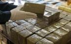حجز 11 طنا و940 كيلوغراما من مخدر الحشيش على متن شاحنة للنقل الدولي