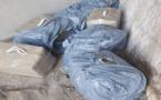 """العثور على 240 كلغ من بالات """"حشيش"""" تخلص منها مهربون في الشاطئ خلال عملية تهريب فاشلة"""