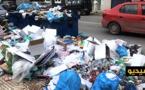 عودة انتشار أكوام الأزبال والروائح الكريهة بشوارع الناظور يثير غضب الساكنة