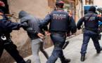 شاهدوا.. تفكيك شبكة لتهريب المخدرات وإعتقال 20 شخصا بينهم مغاربة