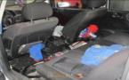توقيف سائق سيارة مرقمة بالمغرب حاول تهريب 86 كلغ من الحشيش وسط هيكلها