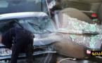 """بالفيديو.. سائق """"كاميكاز"""" يصدم عددا من السيارات في محاولة للعبور الى سبتة بالقوة"""