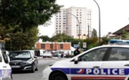 فرنسا.. إطلاق النار على مسجد يسفر عن جريحين والشرطة تعتقل المشتبه