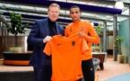 """بعد اختياره تمثيل المنتخب الهولندي..""""إيحاتارن"""" يستمتع بعطلته في مراكش"""