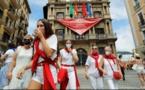 إسبانيا تعزل 7 ولايات في كاتالونيا وتفرض غرامات لعدم وضع الكمامة