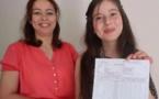 تلميذة مغربية تحصل على أعلى معدّل بالباكلوريا في فرنسا