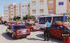 """للمرة الثانية.. سائقو سيارات الأجرة الصغيرة بالناظور """"يحاصرون"""" حافلات شركة النقل الحضري"""