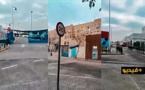 شاهدوا.. شريط فيديو يوضح كيف تحول مدخل مليلية إلى مكان خالي بعد إغلاق المحلات التجارية