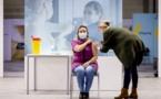 """هولندا.. الريفية """"سناء القادري"""" تعبر عن سعادتها من تلقي ثاني جرعة لقاح فيروس كورونا"""