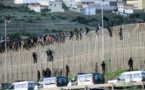 مهاجرون من جنوب الصحراء ينفذون هجوما جماعيا لاقتحام مدينة مليلية