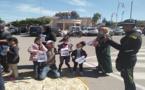 احتجاج غريب.. أب يعرض بناته للبيع أمام مقر عمالة بركان